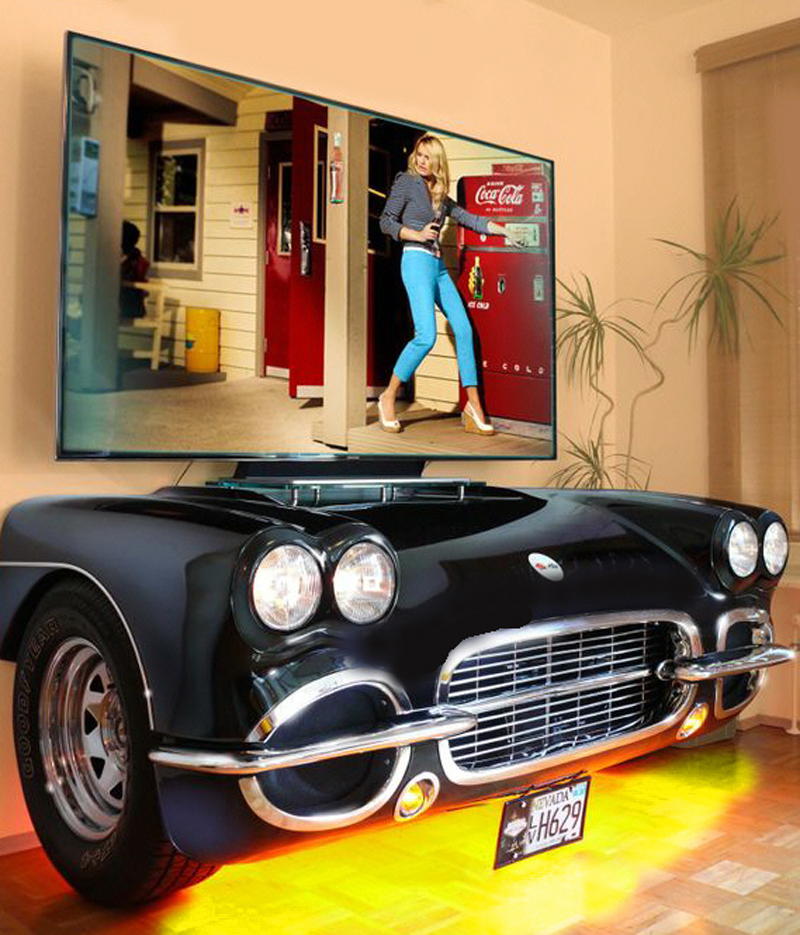 Automöbel: Cadillac / Chevy Sofa, Autosofas & Autotische