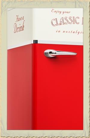 amerikanischer k hlschrank classic diner in rot beige. Black Bedroom Furniture Sets. Home Design Ideas