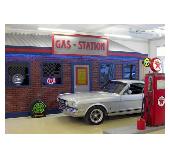 Oldtimergarage im 50er Jahre Style bei American Warehouse